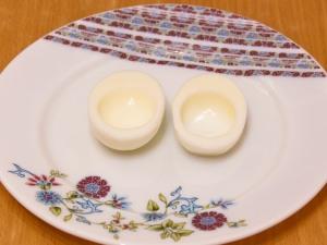 Разрезаем яйца