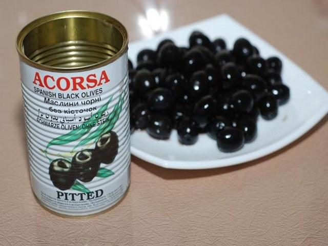 Добавляем оливки