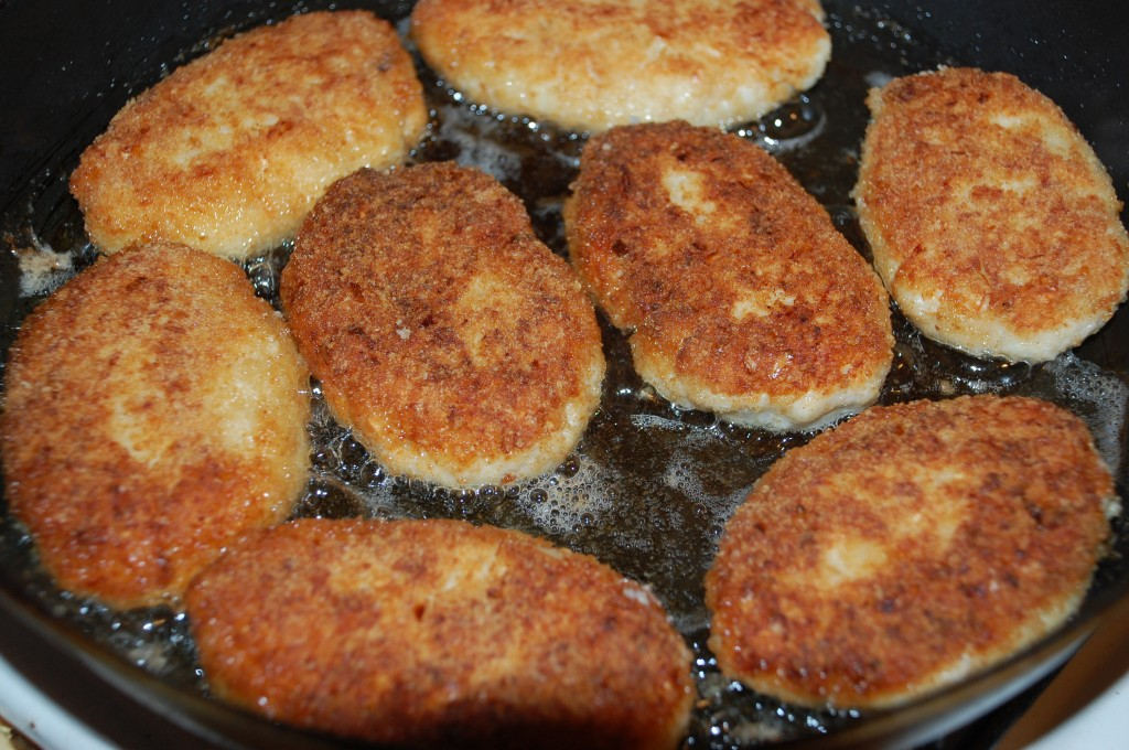 Рецепт котлет из фарша по домашнему на сковороде