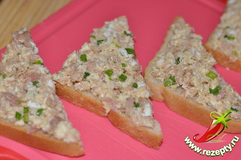 Салат с кальмарами и тунцом рецепт