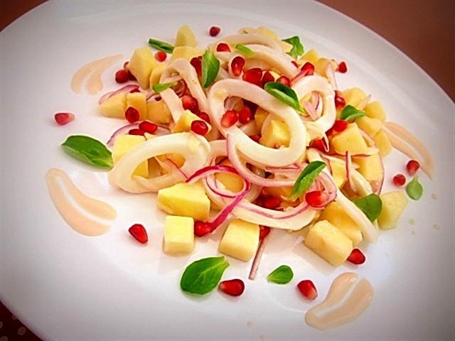 Салат с кальмарами и с яблоком с фото очень вкусный с