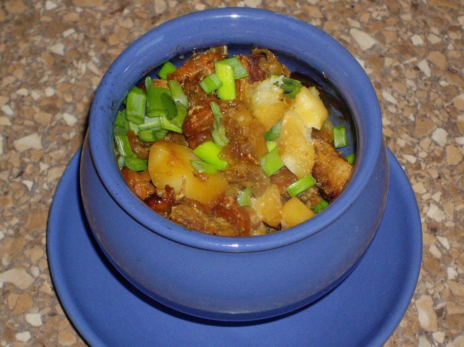 Картошка с мясом в горшочках – вкусно, сытно и празднично