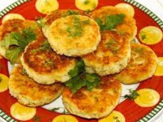 Оладьи из картофельного пюре готовы