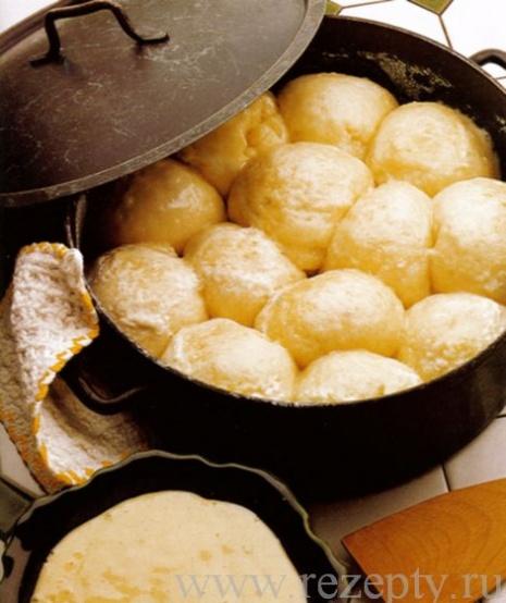 Парные клёцки с ванильным соусом