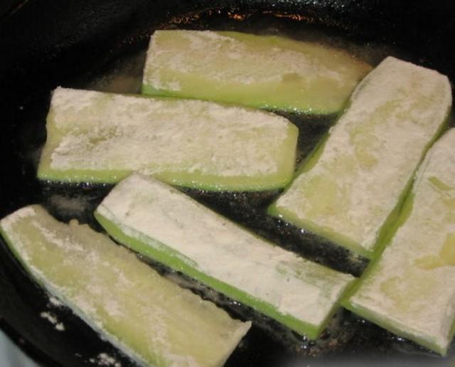 Приготовить кабачки
