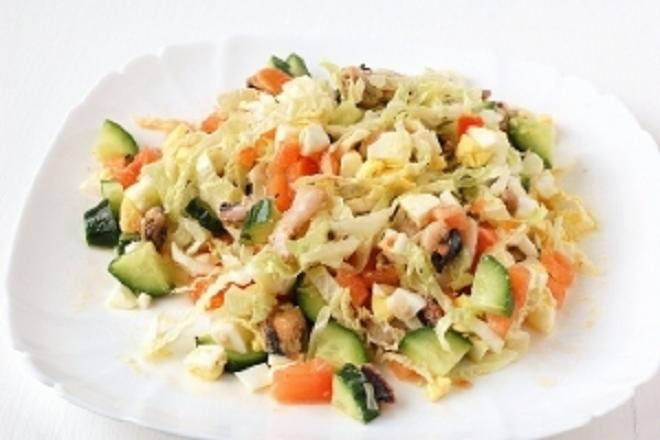 Салат из морепродуктов «Морской коктейль»