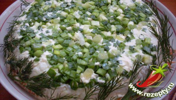 Красивый салат мимоза с печенью