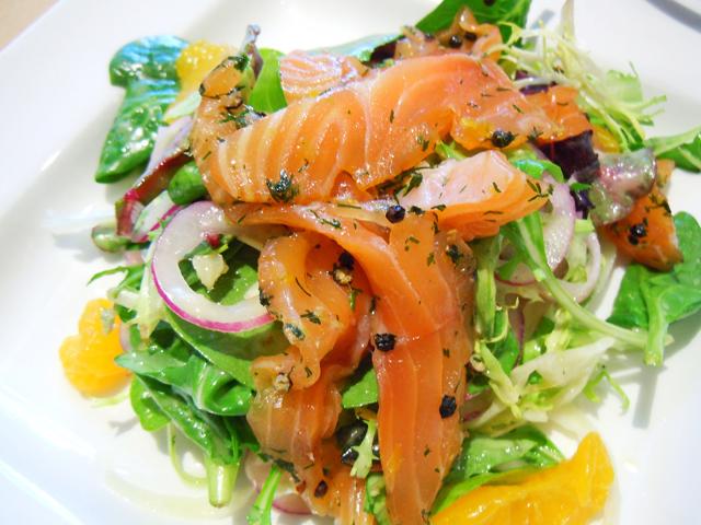 рецепты салатов из семги слабосоленой