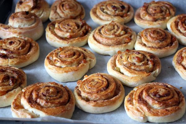 рецепт как приготовить булочки с корицей