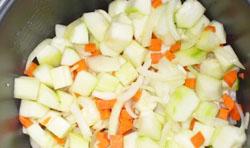 Смесь кабачков, лука и моркови