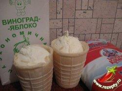 Рецепт молочного коктейля с мороженым.