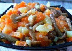Опята жареные с картошкой по-деревенски