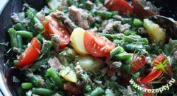 Салат из картофеля, фасоли и тунца