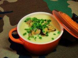 Суп-пюре из цветной капусты и мидий