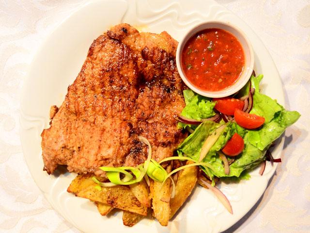 Рецепт салатов с чесночными сухариками