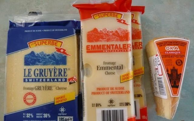 Подготавливаем сыр