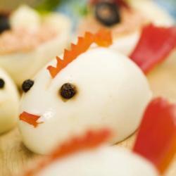 Фаршированные яйца «Цыплята»