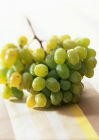 Виноград в карамельной глазури
